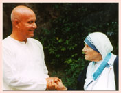 Sri Chinmoy mit Mutter Teresa in Rom